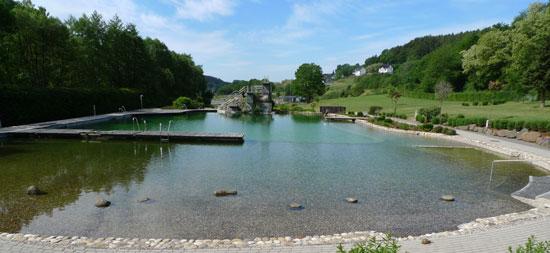 c LDB Naturerlebnisbad Schwimmspaß mitten im Grünen