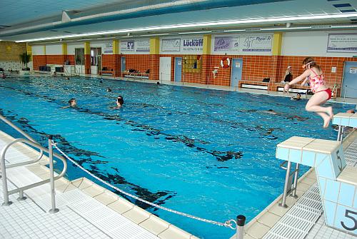 Nice C Lahn Dill Bergland Freizeitbad Panoramablick 300x201 Schätzspiel Zum  Schwimmbad U201ePanoramablicku201c