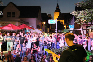 c Ralf Triesch Altstadtfest 300x200 Elf Bands bringen die Altstadt zum Beben
