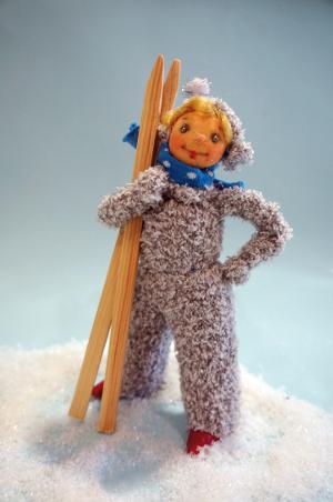 c Schartenhof Skifahrerin Schneeballkinder versilbern und vergolden Winter und Weihnachtsausstellung im Schartenhof