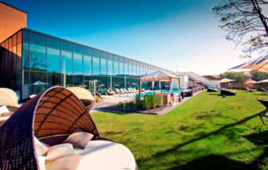 cLahn Dill Bergland Therme Sommer Lounge2 300x190 Sommer Lounge im Thermengarten