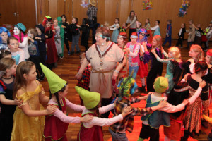 c Haiger Kinderkarneval 300x200 Kinderkarneval in der Stadthalle