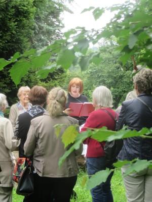 Lesung im Forstbotanischen Garten (c) Sibylle Susat
