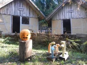Kürbisschnitzen zum Herbstfest in Steinrode (c) U. Zander-Platner
