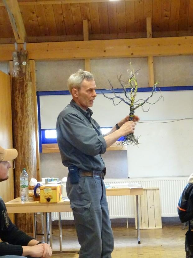 DSC01952 klein 620x827 Seminar Obstbaumveredelung am 28.03.2020