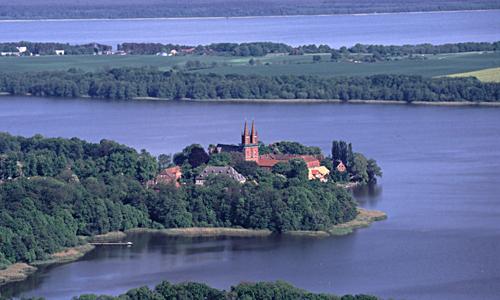 Kloster Dobbertin Wandern mit dem Minister auf dem Naturparkweg MV