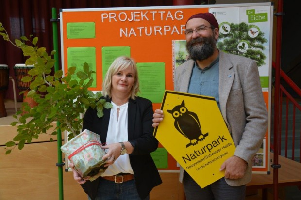 SVZ Naturparkschule Namensgebung 620x413 Regionale Schule Krakow am See ist jetzt Naturpark Schule