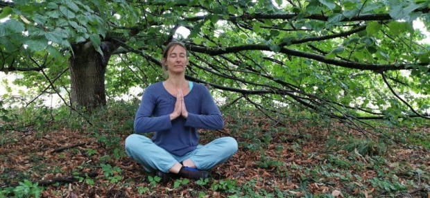 """Yoga im Freien s 620x286 """"Mit allen Sinnen vom Tag in die Nacht""""   Naturerlebnis  und Gesundheitstag in Krakow am See"""