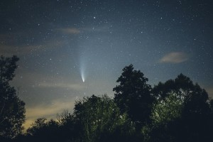 Komet Neowise klein 300x200 Foto des Monats: Komet Neowise