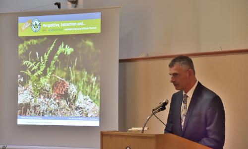 Textbild Landrat Naturparkkonzept Rhein Taunus ist beschlossen