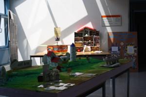 Ausstellung Im Vordergrund Spiel Jakobus auf dem Weg des Salzes 300x200 Kinder  und Schüler  Wettbewerb endete mit hoher Beteiligung