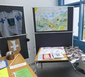 Grundschule Teil Ausstellung 300x270 Kinder  und Schüler  Wettbewerb endete mit hoher Beteiligung