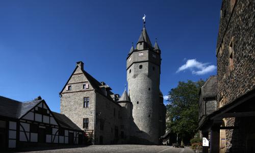 Burg Altena innen Bernd Strotkemper: Mein Ausflugstipp Geocaching Drahthandelsweg
