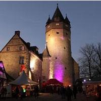 Die Burg Altena im Lichterglanz (Foto: Märkischer Kreis)