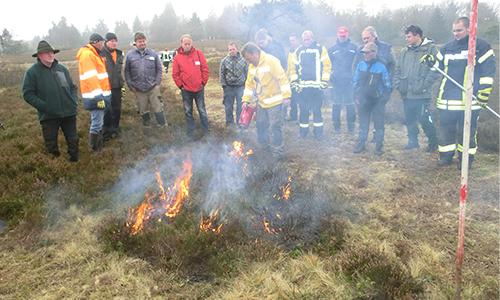 Foto Innenteil feuer Mit Feuer und Flamme für den Naturschutz