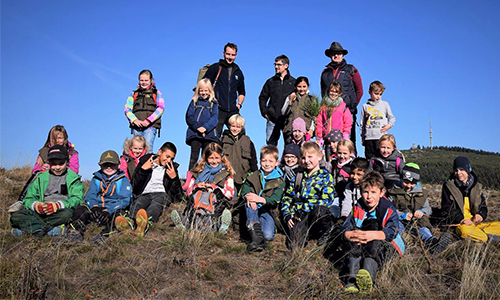 Foto Innenteil forscher Schüler der Naturparkschule Hallenberg erforschen die Heide