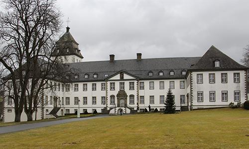 Grafschaft Innenteil2 Das Naturparkteam besucht den Schrabbenhof und das Kloster Grafschaft