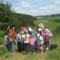Kinder brauchen Erfahrungen und Erlebnisse in der Natur; wollen die Natur entdecken und erforschen (Foto: Naturpark Sauerland Rothaargebirge e.V.)