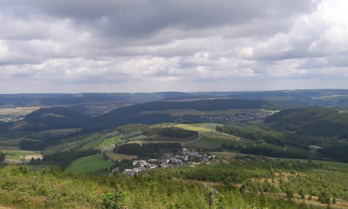 Phantastische Ausblicke auf dem Weg zum Gipfel bieten sich Dir auf dieser Wanderung 03. Oktober: Mit traumhaften Ausblicken zum Stüppel