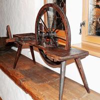 Traditionelle Handwerkskunst mit dem Spinnrad/Foto: Pixabay