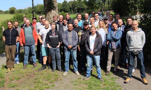 Teambuildung innen c MK Zum Teambuilding in den Wald