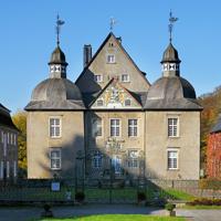 Ein traumhafter Blick auf Schloss Neuenhof bei Lüdenscheid (Foto: Märkischer Kreis)