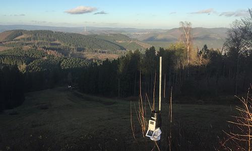 Wetterstation mit tollem Ausblick von der Hohen Bracht Neue Wetterstation auf der Hohen Bracht