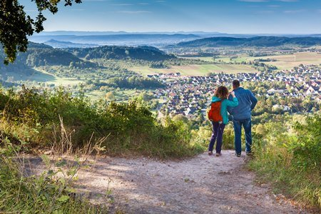 Schönbuchtrauf mit Blick auf den Albtrauf Angela Hammer 300 500 Neue Premiumwander  und Spazierwanderrouten im Naturpark Schönbuch