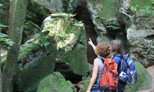 Gerade bei großer Sommerhitze sind die zahlreichen Klingen, Schluchten und Grotten im Naturpark ein erfrischend-schönes Ausflugsziel