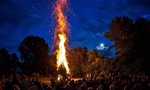 170701 FOTOSonnwendfeier Alfdorf q Sonnwendfeier   zwischen Volksfest und mystischem Kult