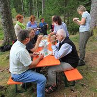 Naturpark-Schule-Exkursion: Schwarzwälder Mittagsvesper mitten im Wald