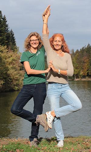 210425 NPaktiv Genthner Naturpark aktiv 2021   Baum Yoga und Natur am Ebnisee