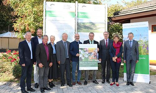 Bild1 Mitglieder der AG Naturparke copyright Naturpark Schwarzwald Mitte... AG Naturparke stellt Leuchtturmprojekte vor
