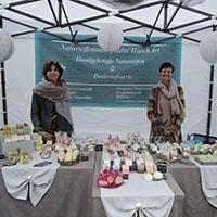 Die Inhaberinnen der Seifenmanufaktur WaschArt beim Naturparkmarkt in Murrhardt