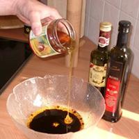 Salatdressing mit Kastanien-Honig