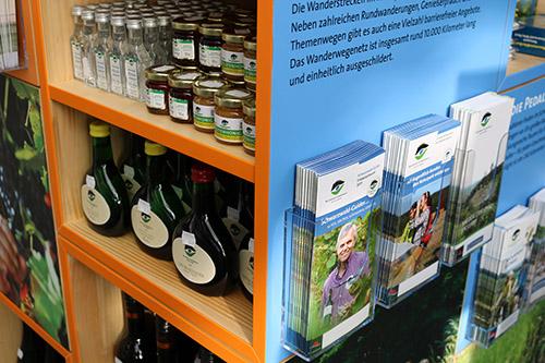 ZG02 Naturpark Würfel setzen Zeichen für mehr Regionalität