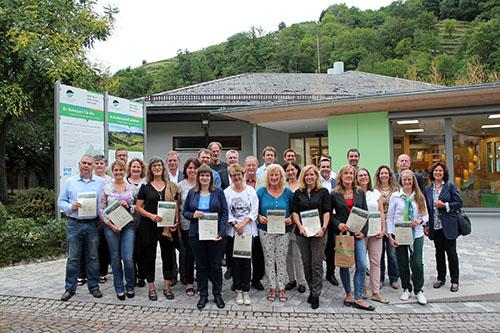 Zertifizierung01 Naturpark und VHS zeichnen neue Schwarzwald Guides aus