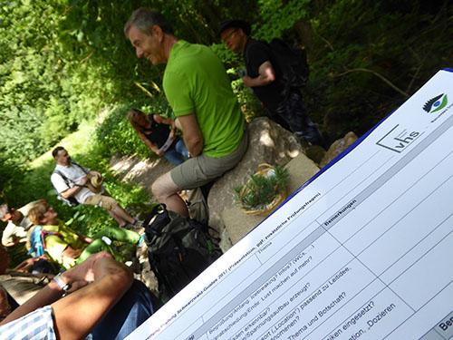 Zertifizierung02 Naturpark und VHS zeichnen neue Schwarzwald Guides aus