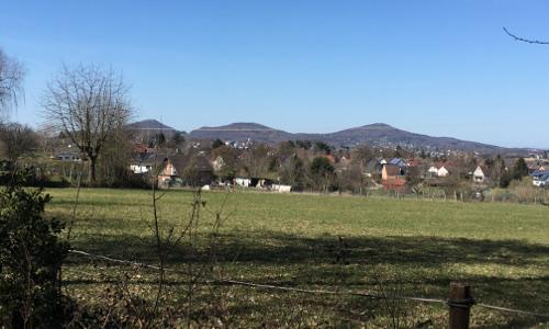 Eike Blick über Gratzfeld aufs Siebengebirge 500x300 Wülscheider Traumweg A3