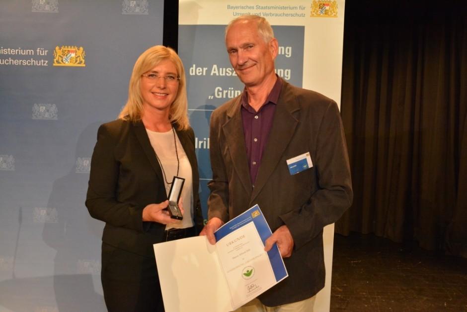 Auszeichnung Alfred Dill 940x627 Karlstadts herausragender Naturschützer: Alfred Dill