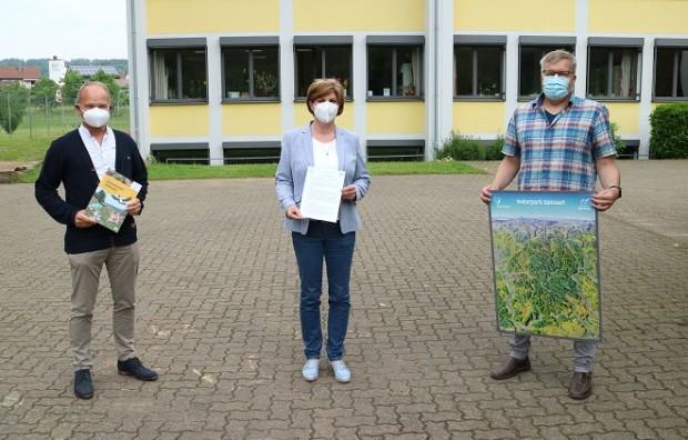 Bürgermeister und Rektor Foto OKaiser 620x396 Grundschule Dorf /Stadtprozelten möchte Naturpark Schule werden