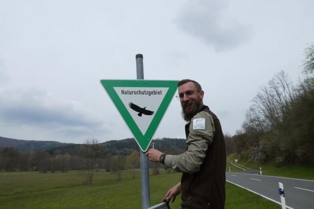 Bild2 Ranger Andreas Gries 620x413 Naturschutzgebiet Schilder im Sinngrund erneuert
