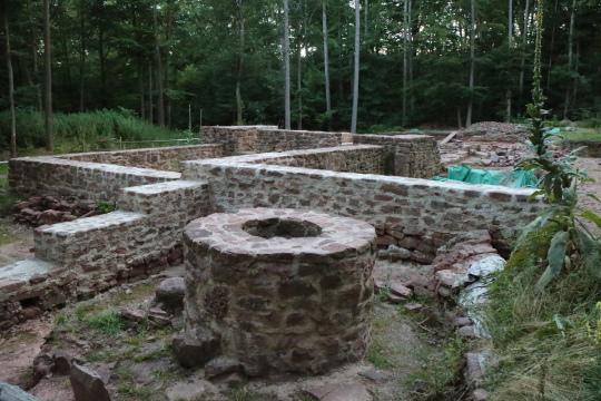 Brunnen Einsiedel Von der Bayrischen Schanz zum Kloster Einsiedel