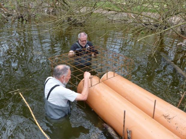 Einbau Rohr Bibersee 620x465 Arbeiten am Bibersee bei Mittelsinn