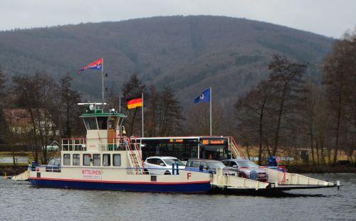 Foto Fähre Achtung: Brückensperrung in Gemünden