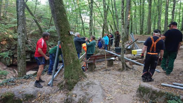 Geländerbau Trettstein 1 JBruhn 620x349 Wanderweg zum Trettstein wieder sicher begehbar