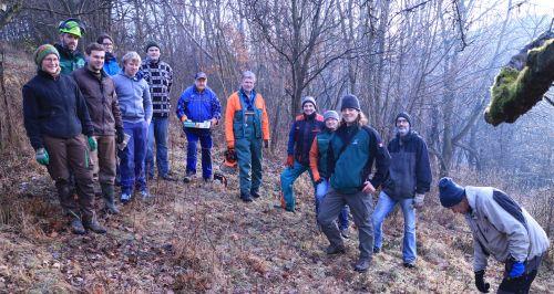 Gruppenbild Pflegemaßnahme Dammbachtal Landwirte und Naturschützer packen im Dammbachtal gemeinsam an