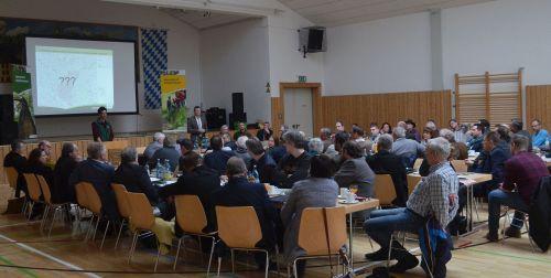 JHV Zufriedene Mitglieder bei der Jahreshauptversammlung