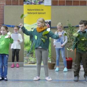 Naturparkschule Gunzenbach_Darbietung der 1 und 2 Klasse Foto O.Kaiser_200 x 200