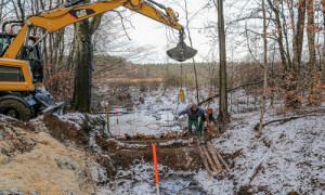 Bau Hellsee 3302 500x300 300x180 Hellseemoor bei Rheinsberg wird vor dem Austrocknen bewahrt